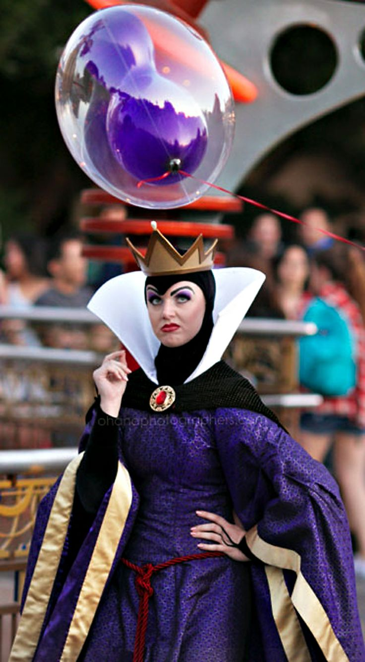 Disneyland // The Evil Queen // Snow White // Tomorrowland