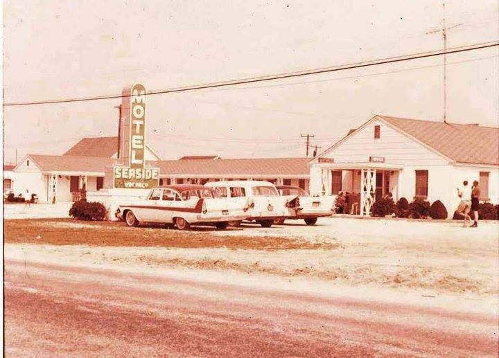 old cars at the Seaside Motel (fenwick island, de) vintage postcard