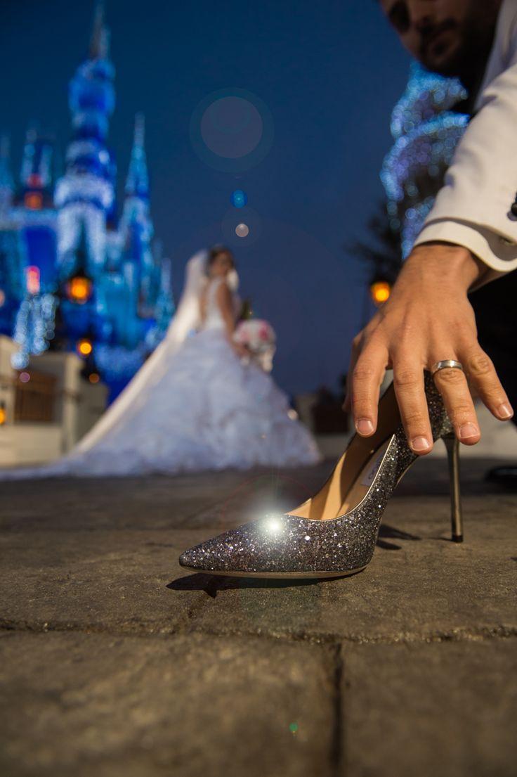 Sparkling Cinderella moment in the Magic Kingdom for this Walt Disney World Bride. Photo: Stephanie, Disney Fine Art Photography