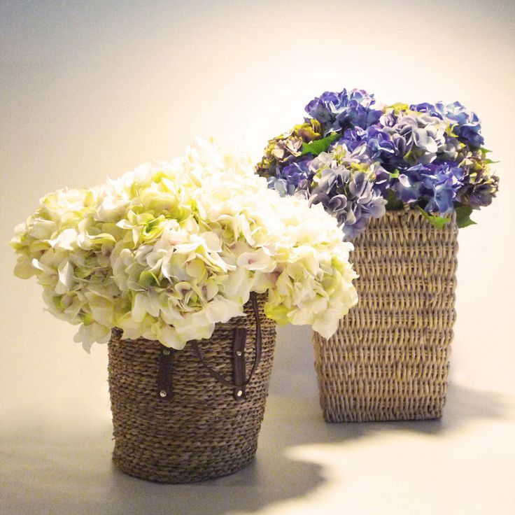 plantas y flores artificiales -hortensias en cestos de mimbre -Rebolledo Floristas