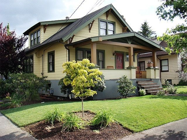Arts And Crafts Design Home With Porches