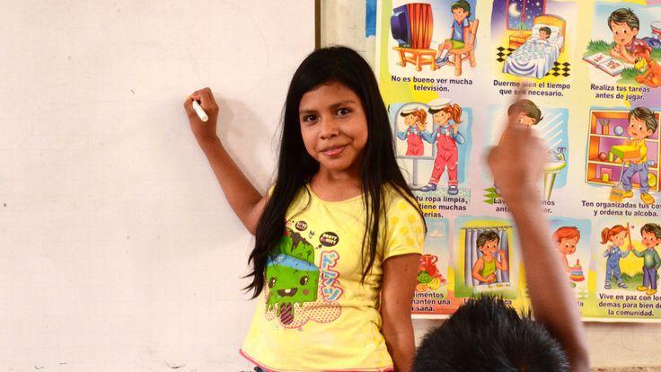 """Mariana (10) uit Colombia over haar droomman: """"Mijn ideale man is zoals mijn vader. Iemand die heel hard werkt, niet dronken is en geld verdient voor onze familie. Ik wil graag juf worden en de man van mijn dromen is ook een leraar. """""""