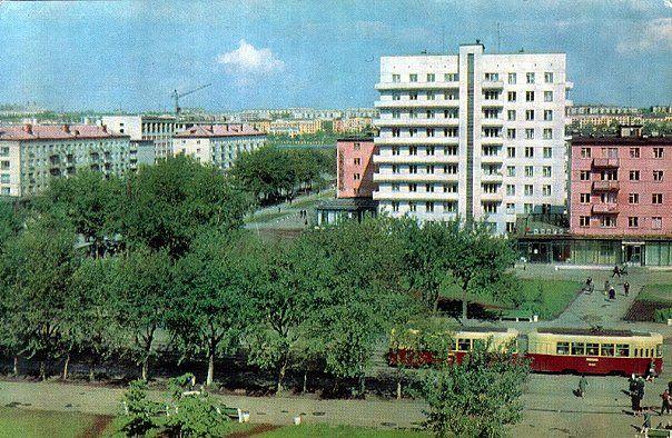 Перекресток улицы Кирова и проспекта Победы, 80-е