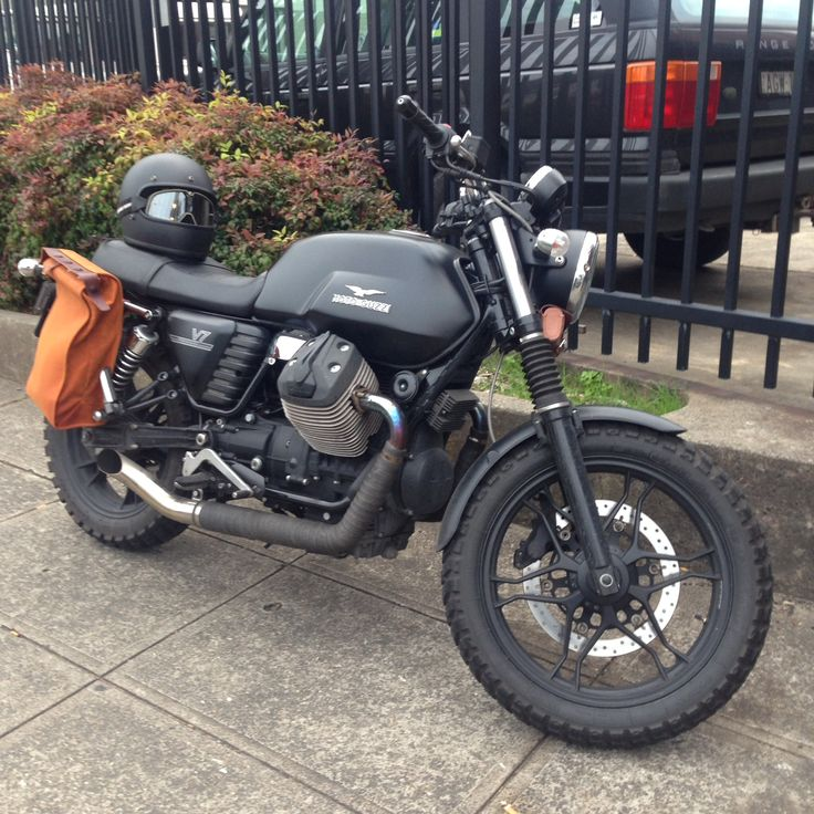 Moto Guzzi V7 Stone with Farmer's Racer saddled bag.