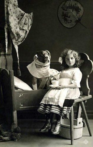 Pitbulls as nannies =)The Nanny, Little Girls, Nanny Dogs, Bull Terriers, Vintage Photos, Pitbull, Pit Bull, Vintage Girls, Old Photos
