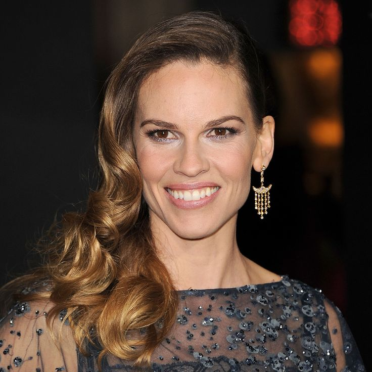 At the LA premiere of her new flick New Year's Eve, Hilary Swank looked beautiful in a glittering blue gown and cascading curls. Her hairstyle, created by Robert Vetica, celebrity stylist and Moroccanoil Global Brand Ambassador, was glamorous, sexy and spirited—everything we look for in a New Year's Eve look. Here, Robert explains exactly how … Continued