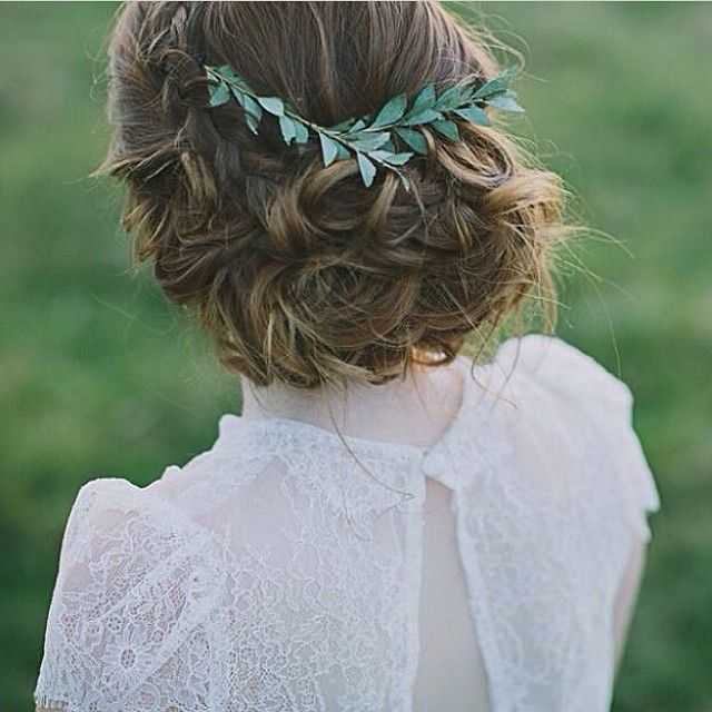 #regram from #whitemagazine , #greenery in hair  gorgeous pic xx
