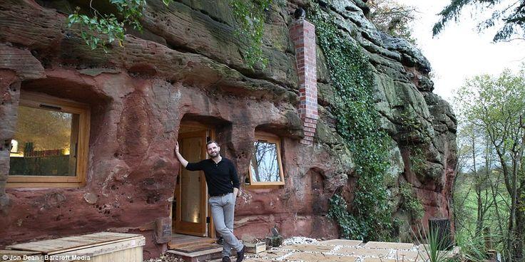 Пещерный человек наших дней: мужчина превратил пещеру возрастом в 250 миллионов лет в уютное жилище с канализацией, полами с подогревом и доступом в Интернет дом, мужчина, пещера