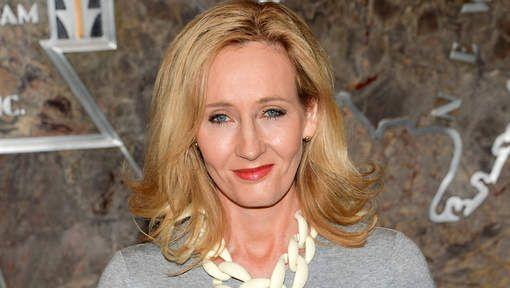 J.K. Rowling liet weten dat de verfilming van haar boek 'Fantastic Beasts and Where to Find Them', de eerste film zal zijn uit een trilogie. Het boek was een van de boeken uit Zweinstein, maar Rowling besloot er een echt boek van te maken. De film komt uit in november 2016