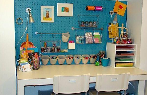 bezaubernde Kinderbereiche zum Lernen blau wand stuhl schreibtisch lampe idee
