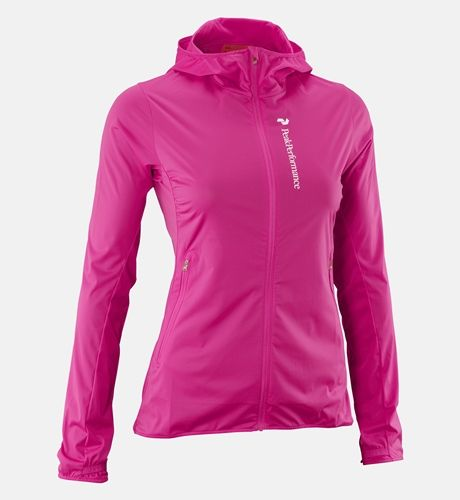 Comfort, lightness and movability are essential whether you're hiking, biking or training. Silberhorn is a versatile wind jacket designed for intense activities that has excellent breathabililty and stretchy qualities, allowing you a lighter, faster performance all year round.