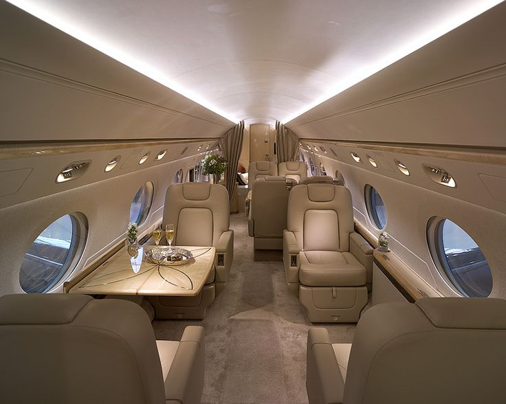 A sneak peak inside the G650. Does it get any better?  www.booksbybeck.com