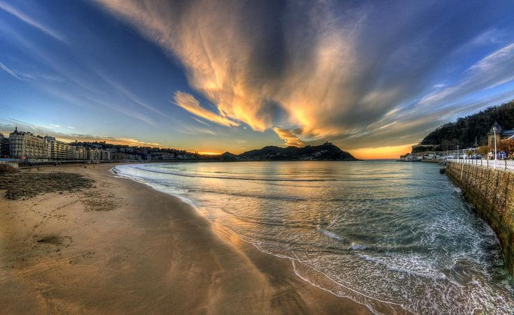 Turismo en San Sebastián ¿Quieres viajar a San Sebastián? Encuentra los mejores rincones para visitar San Sebastián y los mejores precios en vuelos y hoteles.