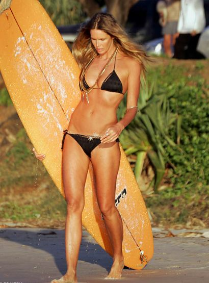 Elle Macpherson Is 51 and Still Has a Body for the Ages: All the Details On Her Nutrition and Fitness Routine, Plus Tasty Recipes!