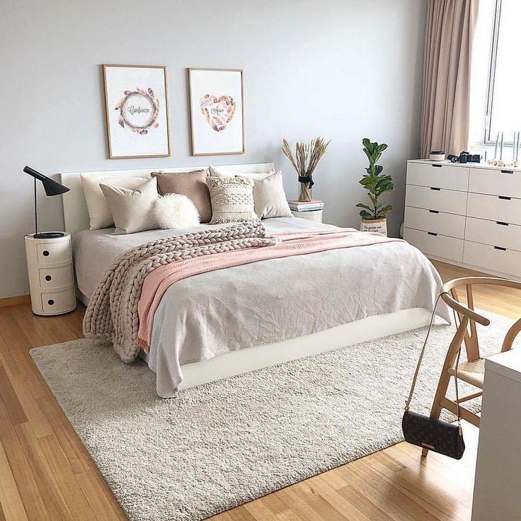 Female Room Decor 40 Ideeen Om Op Te Vrolijken Decor Female Ideeen In 2020 Interior Design Bedroom Small Interior Design Bedroom Teenage Woman Bedroom