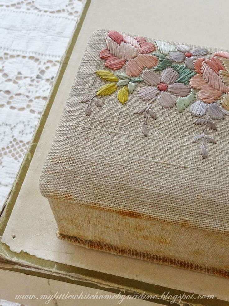 Old fabric box. My little white home by Nadine: Brocante ...