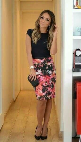 floral pencil skirt + solid black short sleeve t-shirt + black pump heels + hair down and slightly curled