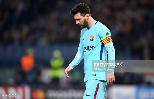 World S Best Messi Vs Roma Stock Pictures Photos And Images
