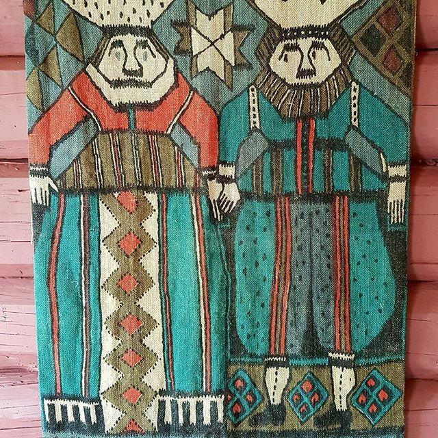 """Herr og fru. Noe som ligner på """"De fem kloke og de fem dårlige jomfruer """". #veggteppe #tekstiltrykk"""