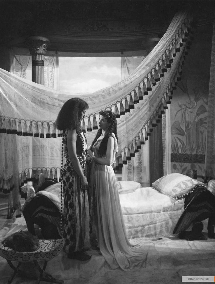 Caesar and Cleopatra, 1945 режиссерГэбриел Паскаль художникДжон Брайан, Оливер Мессель