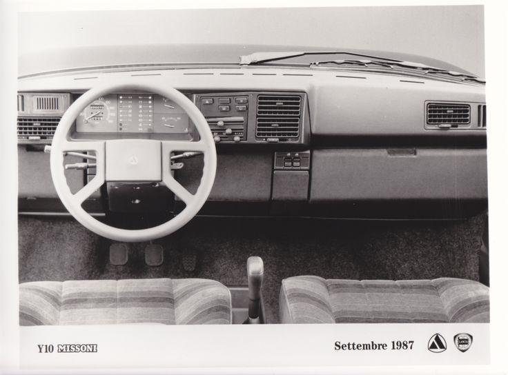 Lancia Y10 Missoni dashboard (9/87)
