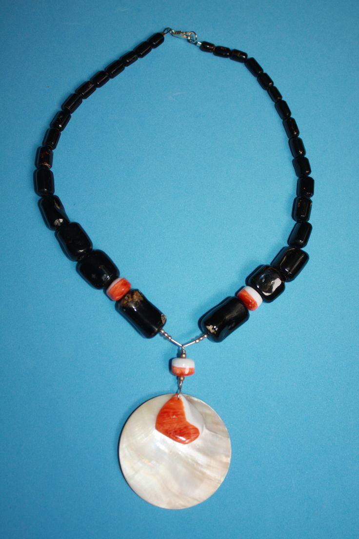 @@@BlackCoral4you Black Coral-Spondylus-Mother of Pearl and Sterling Silver / Coral Negro-Spondylus-Madre Perla y Plata de Ley
