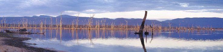 http://www.suffields.net/panoramas4/Lake%20Fyans%20Dawn%204.jpg