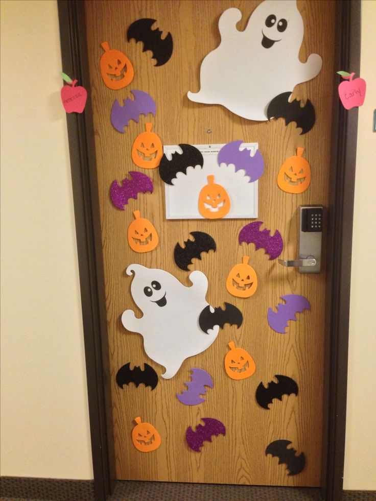 college dorm room door dorm decorationshalloween - Cute Halloween Door Decorating Ideas