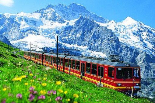 ヨーロッパ最高地点の駅を要するアルプスの絶景鉄道、それがこのユングフラウ鉄道です。ここではそんな、スイスのユングフラウ鉄道についてご紹介します。 photo by jal.co.jp ユングフラウ鉄道は全長9.3kmのスイスの登山鉄道。19世紀末から20世紀初頭にかけて建設されました。始発のクライネ・シャイデ |スイス, ヨーロッパ|旅行・観光のおすすめまとめ「wondertrip」