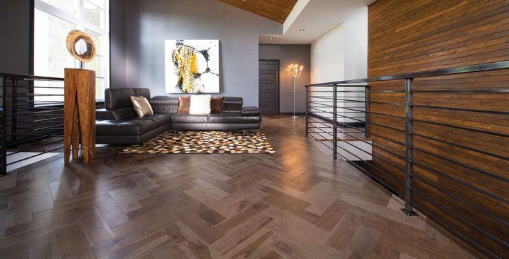 Plancher de bois franc Herringbone en hickory, couleur Greystone