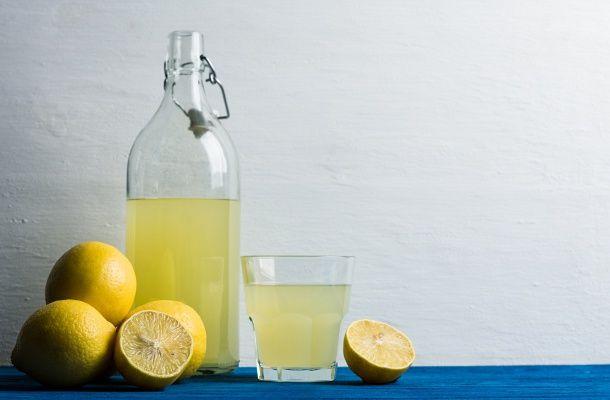 A legegyszerűbb házi citromszörp receptje | femina.hu