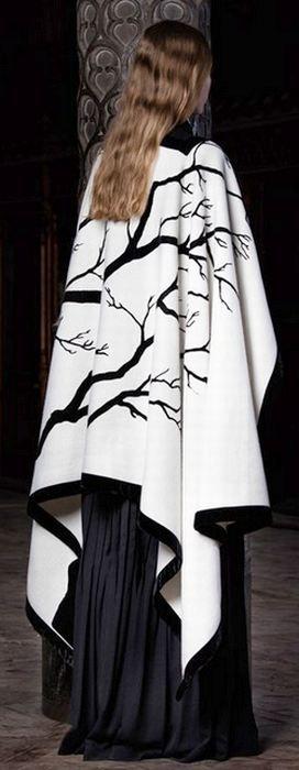 Осенняя модная верхняя одежда для полных - фото