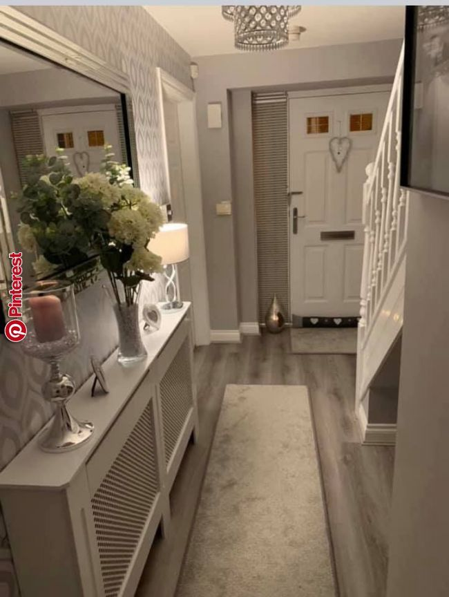 Pin By Violilla Violilla On Soggiorno In 2019 Pinterest House Entrance Hallway Inspiration And Hallway Decorating House Interior Decor Hallway Designs Hall Decor