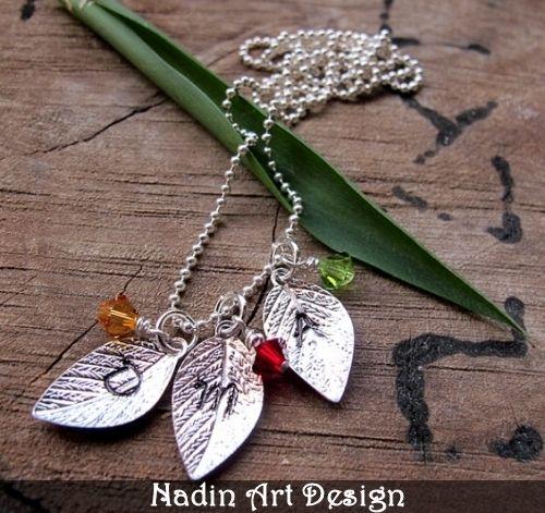 Familienkette mit Blattanhängern und Monatsteinen von NadinArtDesign auf DaWanda.com