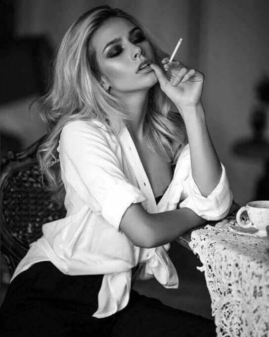 hot-girls-smoking-cigarettes-naked-petit-porn