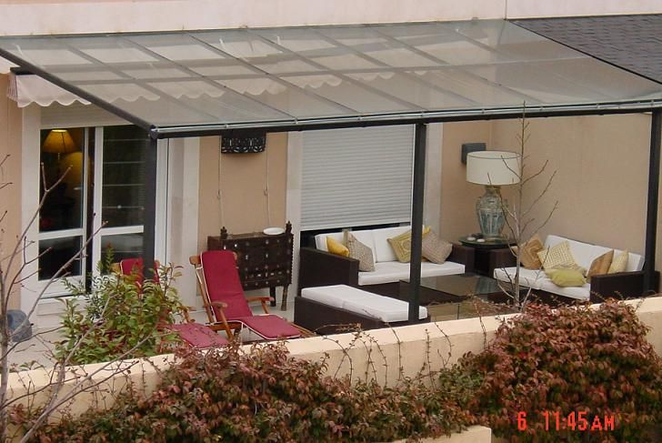 Terraza con techo-policarbonato