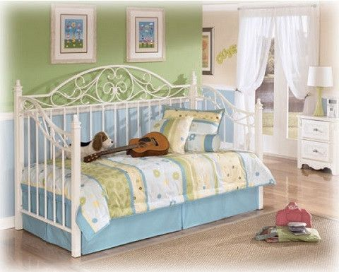 17 Best Ideas About Kids Daybed On Pinterest Childrens