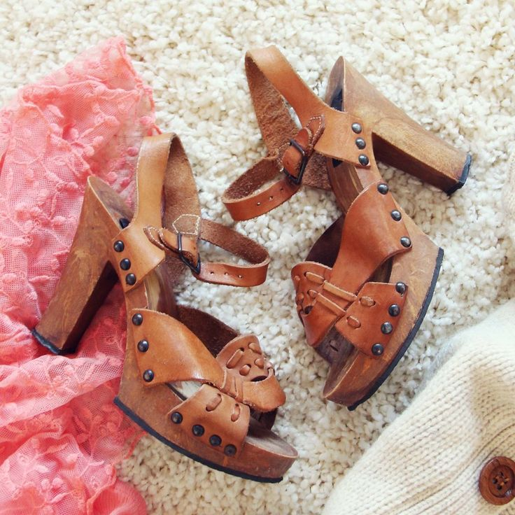 Vintage 70's Platform Sandals: Alternate View #1