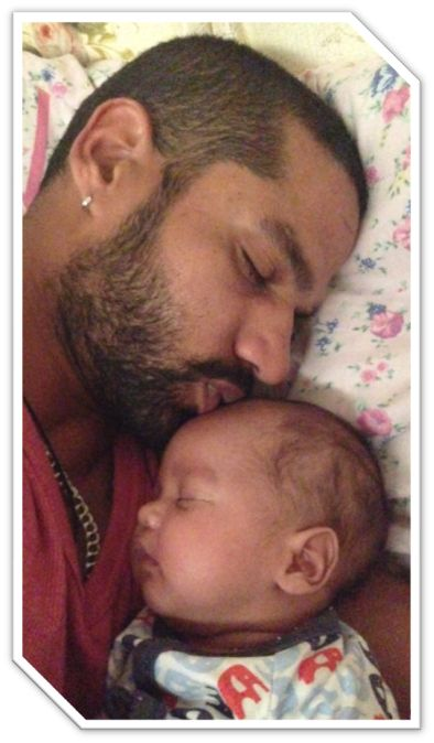Shikhar Dhawan With his Son