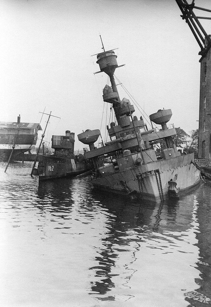 Danish naval ships sunk in the harbor 1943