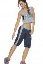 Blusa atlética con diseño novedoso en la espalda | CARMEL - Ropa por catálogo para mujeres y teens