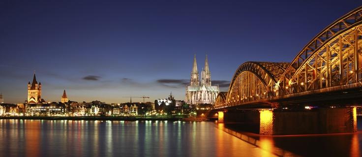 Viaja de una manera diferente y descubre ciudades emblemáticas alemanas como Colonia, Estrasburgo, Linz, Maguncia y más desde otra perspectiva, a bordo de un crucero fluvial. Elige donde comenzar, itinerario A o B y disfruta a bordo del barco M.S. Swiss Crown en camarote doble, pensión completa y visitas. Desde 1469€  http://clubsantamonica.com/paquetes/crucero-fluvial-por-el-rhin-y-el-mosela-8-d%C3%ADas-7-noches-%C2%A1descuento-especial