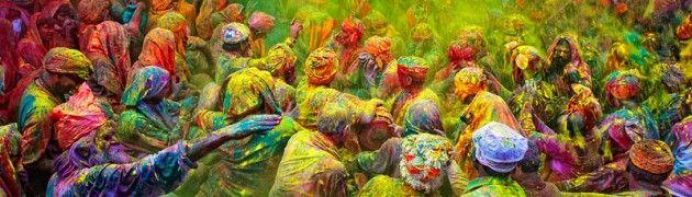 Holi Festival, celebrato soprattutto nell'India orientale i primi di Marzo. Tutti si abbracciano, baciano, cantano, ballano, per testimoniare che si deve dimenticare qualsiasi sentimento di animosità: per far trionfare l'amore. L'usanza  è quella di gettarsi addosso secchi di vernice colorata, si partecipa girando con i volti pitturati di svariati colori: rosa, #rosso vivo, #verde e #blu cobalto. I #colori vengono comprati in alcuni mercati in miscele speciali e persino vernici profumate.