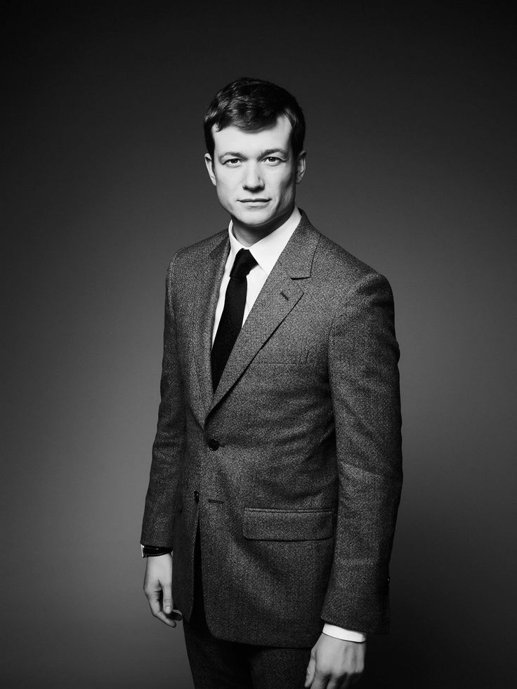 Ed Speleers poses for an interview for Harpers Bazaar, Feb. 11, 2016.