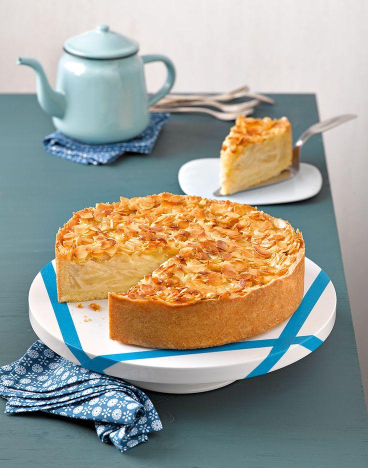 Apfel-Bienenstich-Torte: Ein fruchtiger Apfelkuchen mit einer knusprigen Mandeldecke