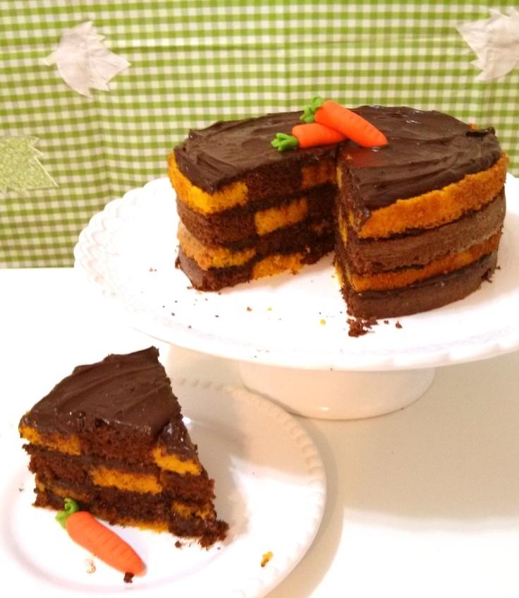 O Brigadeiro de Colher: Bolo Xadrez de Chocolate com Cenoura para Páscoa