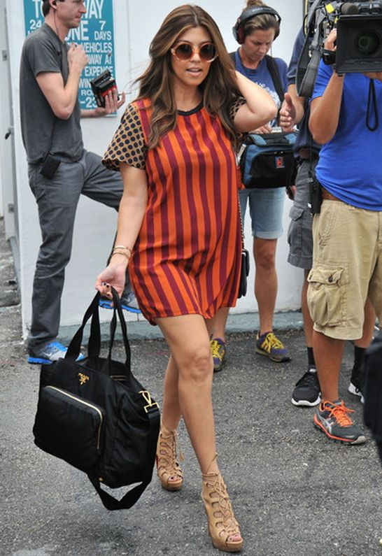 Quay Eyewear 1521 Sunglasses in Gold - as seen on Kourtney Kardashian