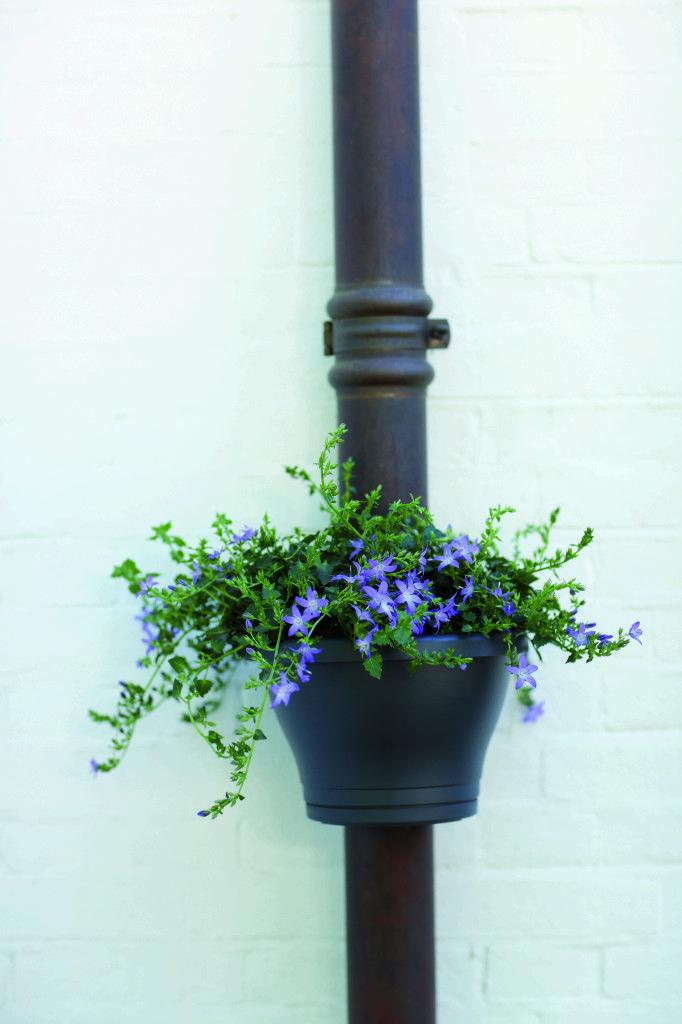 Pot goutti re corsica vous manquez de place pour vos fleurs sur votre balcon - Gouttiere pour balcon ...