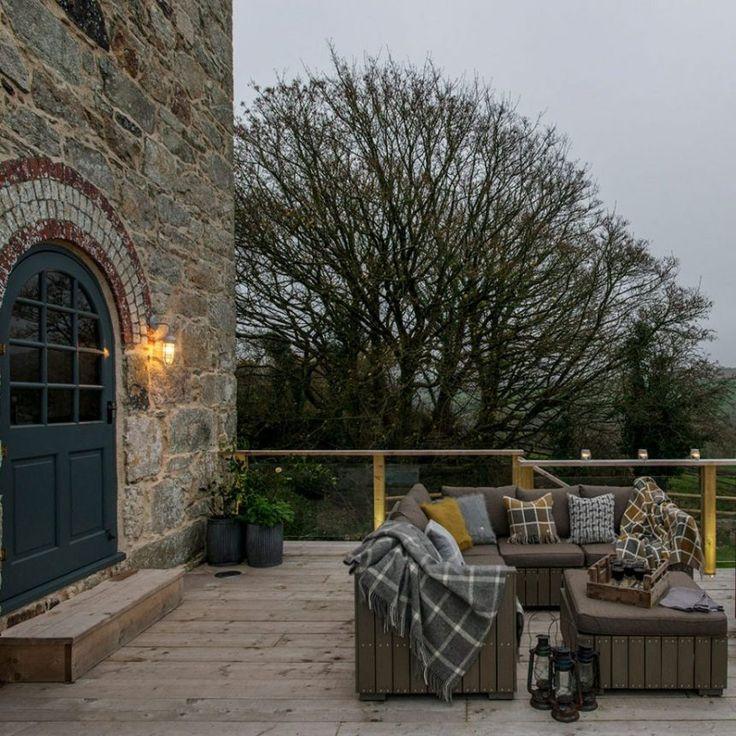 casa rústica familiar exterior, terraza