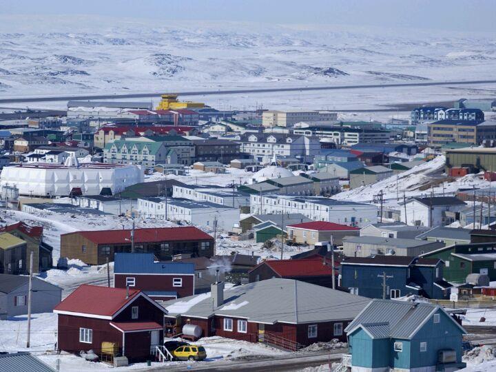 Iqaluit / ᐃᖃᓗᐃᑦ in Nunavut